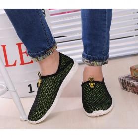 Sepatu Slip On Mesh Pria Size 43 - Black/Green - 3