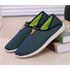 Sepatu Slip On Mesh Pria Size 44 - Green/Blue