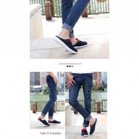 Sepatu Sandal Slip On Santai Pria Size 36 - Red - 5