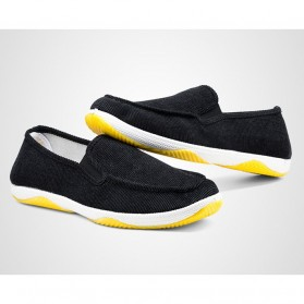 Sepatu Slip On Bahan Flannel Size 39 - Gray - 2