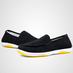 Sepatu Slip On Bahan Flannel Size 39 - Gray - 3