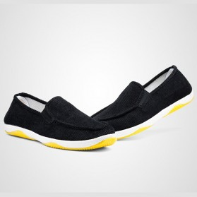 Sepatu Slip On Bahan Flannel Size 39 - Gray - 4
