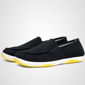Sepatu Slip On Bahan Flannel Size 39 - Gray - 5
