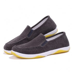 Sepatu Slip On Bahan Flannel Size 40 - Gray
