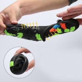 Sepatu Sneaker Pantai Olahraga Air - 1818 - 43 - Black/Gray - 8