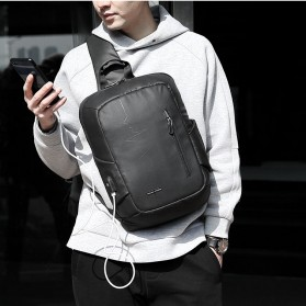 Mark Ryden Tas Selempang Crossbody Bag dengan USB Charger Port - MRK9087 - Black - 7