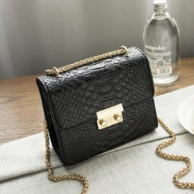 Tas Selempang Wanita Model Crocodile - Black