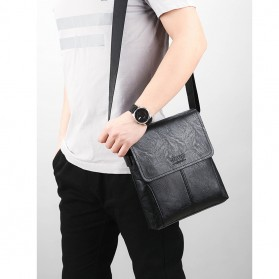 Jeep Tas Selempang Messenger Bag Kulit Maskulin Pria - B0000920 - Black