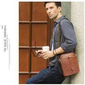 Contacts Tas Selempang Pria Messenger Bag Bahan Kulit - MB110 - Dark Brown - 8