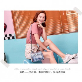 Anmly Tas Selempang Transparant Wanita - Model 2 - Pink - 9