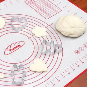 AMW Baking Mat Alas Adonan Kue Fondant Silikon 60x80cm - JJ34006 - Red - 3