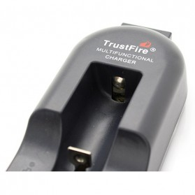 TrustFire Universal Single Battery Charger - TR-002 - Black - 3