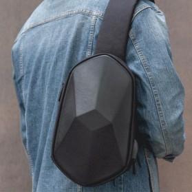 Xiaomi BEABORN Tajezzo Tas Selempang Sling Bag + USB Charger Port - 0201 - Black - 2