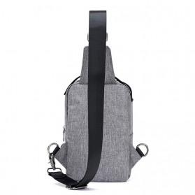 Crossbody Tas Selempang dengan USB Charger Port - Gray - 3