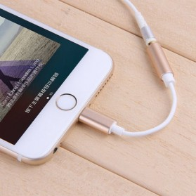 Adapter Lightning ke 3.5mm Headphone for iPhone 7/8/X - Black - 4