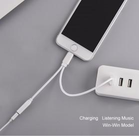 Adapter Lightning ke 3.5mm Headphone + USB Male for iPhone 7/8/X - Black - 4