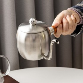 Mrs Win Teko Kopi Pitcher Coffe Pot Stainless Steel 500ml - DF50KFH - Silver