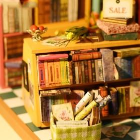 ROLIFE Cute Room Miniatur Rumah Boneka 3D DIY 1:24 - DG102 - Brown - 3