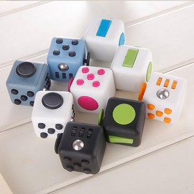 Mainan Pelepas Stress Fidget Cube - Black/Red - 7