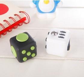 Mainan Pelepas Stress Fidget Hand Cube - Black/Blue - 3