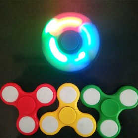 Tri Fidget Spinner LED - Multi-Color - 2