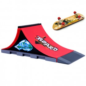 Fingerboard with Ramp Skate - Red