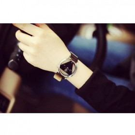 Xiniu Jam Tangan Triangle Quartz - YQ007 - Black - 4