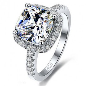 Cincin Wanita Shiny Jewel Size 8 - Silver