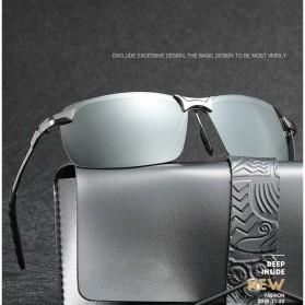 GIAUSA Kacamata Photochromic Polarized Sunglasses UV400 - G3043 - Black - 2