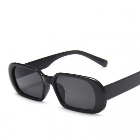 Yueyaolao Kacamata Trendy Oval Frame Sunglasses - UV4976 - Black