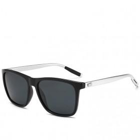 DJXFZLO Kacamata Frame Classic Retro Polarized Sunglasses UV400 - C4 - Black