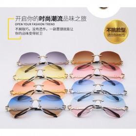 Kacamata Wanita Luxury Sunglasses Anti UV - Black - 7