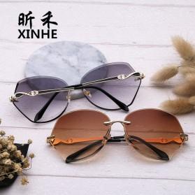 Kacamata Wanita Luxury Sunglasses Anti UV - Brown - 8