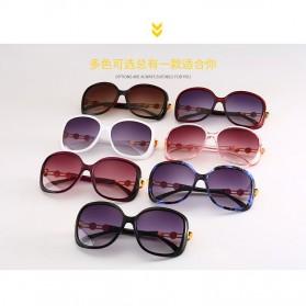 Kacamata Wanita Mewah Sunglasses Anti UV - Brown - 6