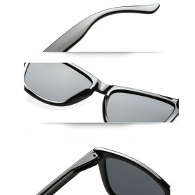 Aoron Kacamata Sunglasses D Shape Polarized - 9821 - Black/Gray - 4