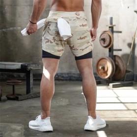 Pakaian Pria Terbaru Keren - BUTZ Celana Pendek Olahraga Gym Pria Double Layer With Towel Holder Size XL - GY002 - Khaki