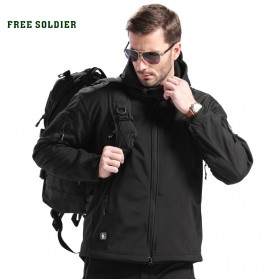 FREE SOLDIER Jaket Water Resistant Windcoat Pria Size M - Black - 2