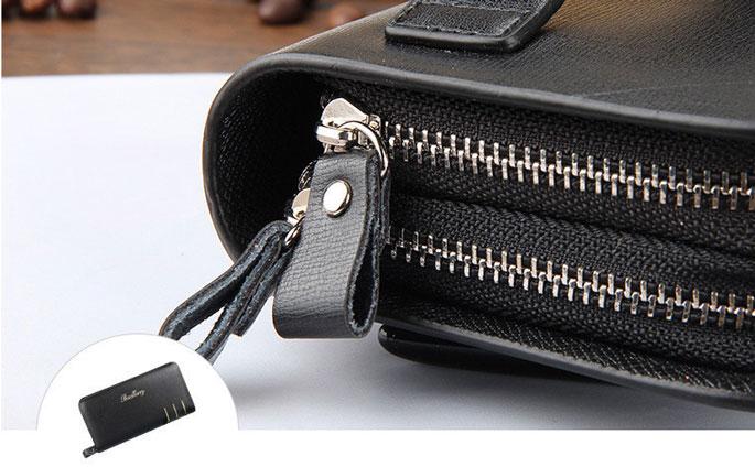 Tas dompet yang menggunakan kunci model zipper atau resleting yang mudah digunakan, sehingga tidak mudah rusak dan dapat dibuka lebih cepat.