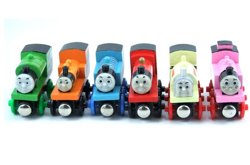 Kereta Api Thomas Wooden Magnet Random Model Multi Color