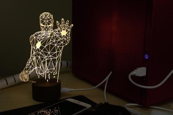 Lampu dengan bahan dasar kayu pada bagian dudukan lampu dan acrylic membuat lampu ini tahan lama.