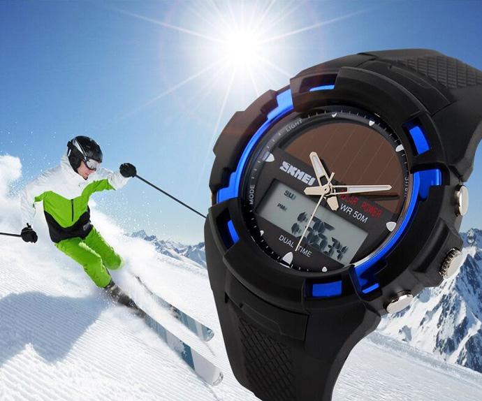 Kaca Jam tangan waterproof SKMEI 1056E dibuat dengan material yang sangat  jernih sehingga Anda tetap dapat melihat angka dengan jelas ketika di dalam  air. 873780fe7b