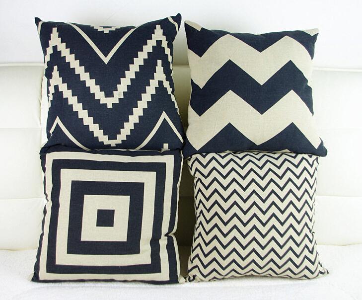 Anda dapat memilih motif sarung bantal kursi sesuai dengan tema dekorasi ruangan yang Anda inginkan.