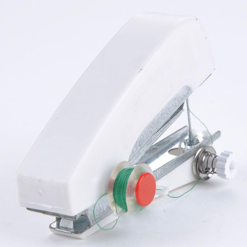 Mesin jahit ini terbuat dari bahan plastik yang berkualitas baik sehingga dapat bertahan lama walaupun dipakai berulang kali.