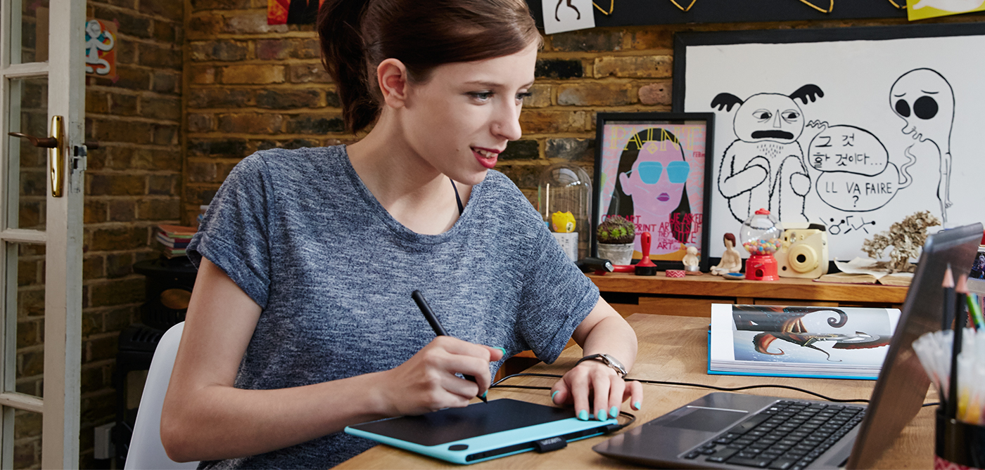 Wacom Intuos Draw Creative Pen Tablet Ctl 490 Blue W0 Fun Small White Complete With Software Services And Training Youll Be Drawing Sketching Sharing In No Time Youre Closer Than You Think